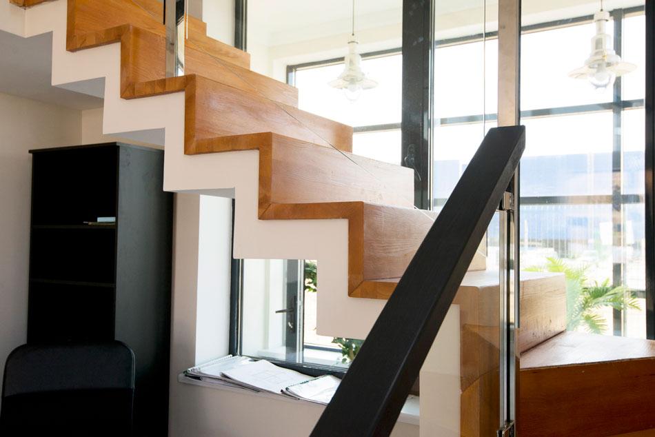 Лестница в выставочном доме на Белой даче